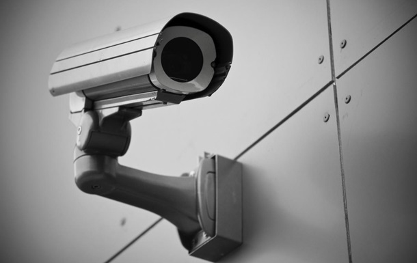 В Киеве возле памятников установили видеокамеры