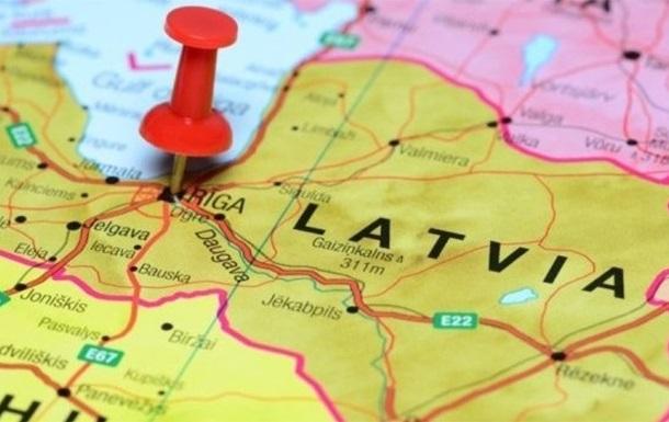 В Латвии половине жителей денег хватает только на еду и одежду – опрос