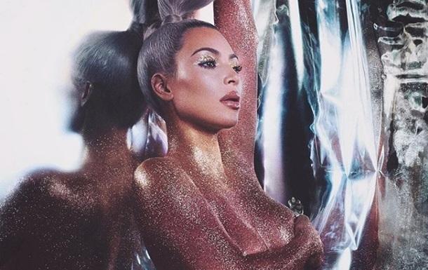 Снимок Ким Кардашьян топлес стал хитом Сети