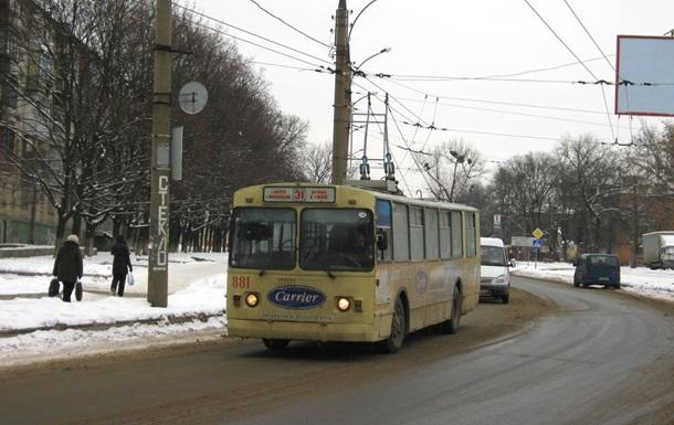 В Харькове на ходу загорелся троллейбус