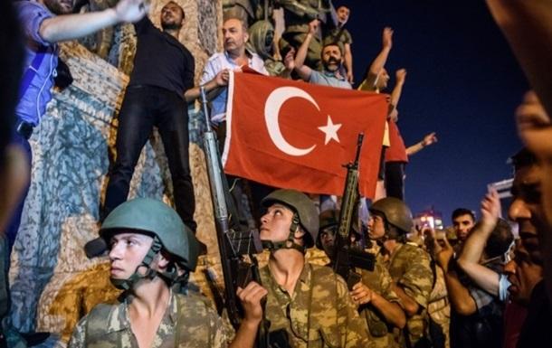 Путч в Турции: суд приговорил 28 человек к пожизненному сроку
