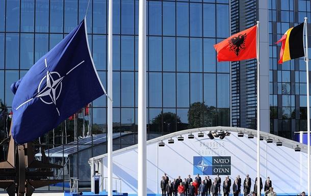 НАТО: Світ на порозі нової холодної війни