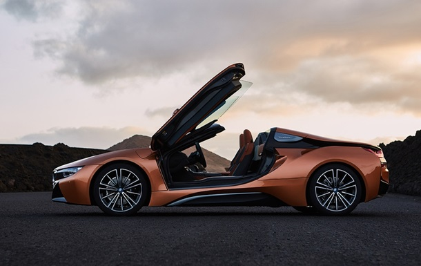 BMW показала гибридный спорткар i8 Roadster