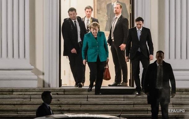 Меркель и Шульц провели первые коалиционные переговоры