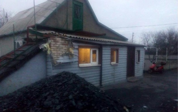 Сепаратисти обстріляли житлові квартали Мар їнки