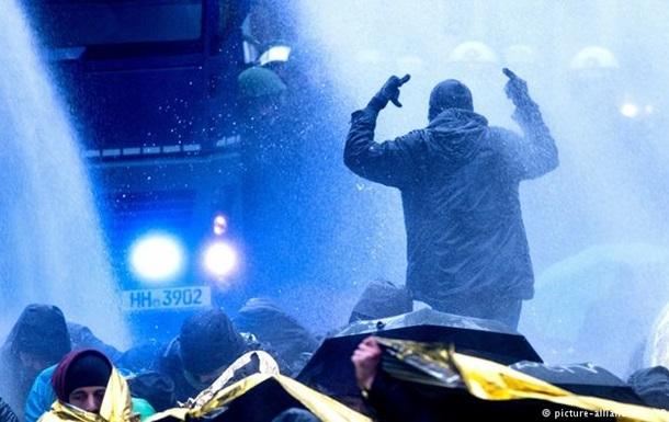 Протести проти АдН у Ганновері: поліція застосувала водомети