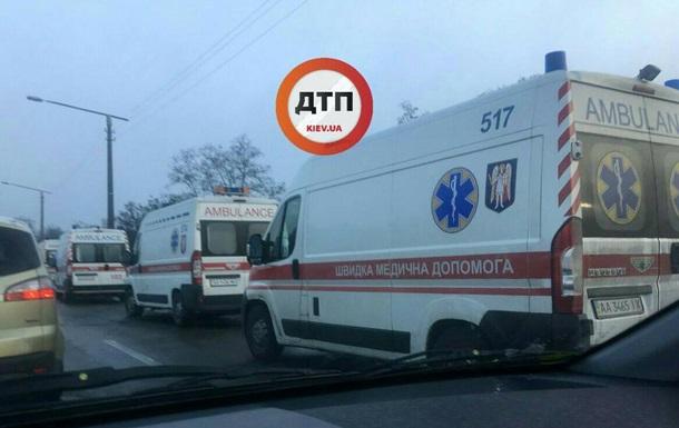 В Киеве в масштабном ДТП пострадали 5 человек