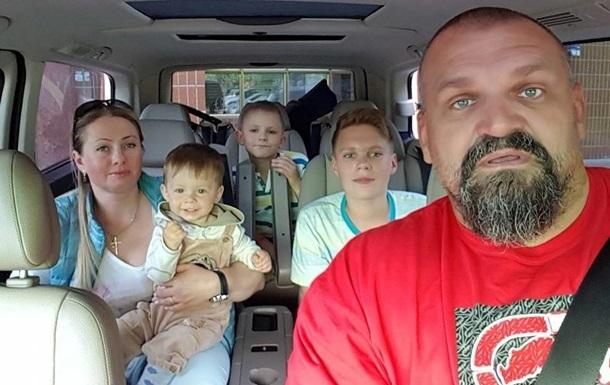 Поліція шукає водія, який збив сина Вірастюка на переході