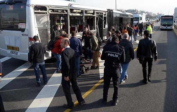 У Стамбулі зіткнулися два автобуси: 19 постраждалих