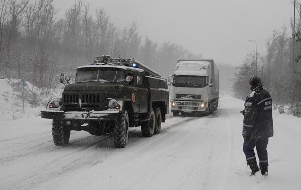 Трассу Киев-Чоп открыли для грузовиков