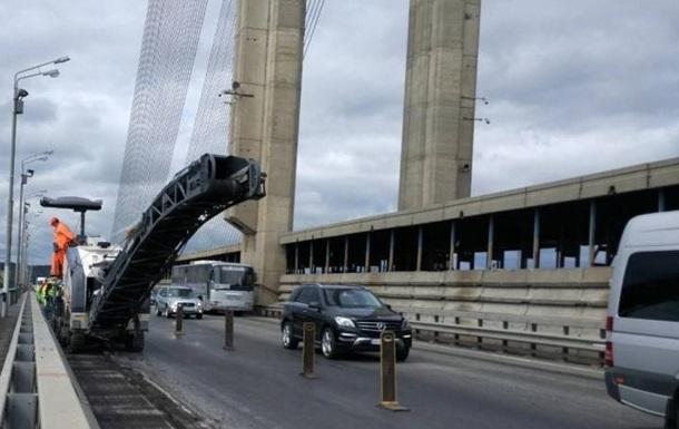 У Києві обмежать рух на Московському мосту