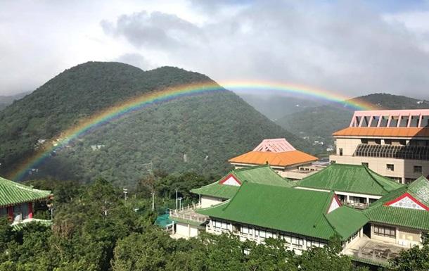 На Тайвані спостерігали дев ятигодинну веселку