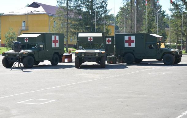 Украина получила 40 американских автомобилей Hummer