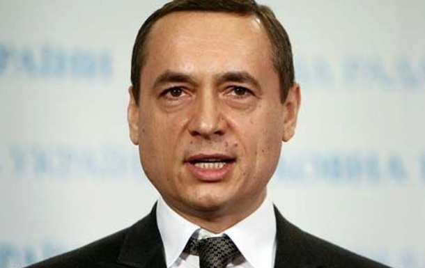 Екс-нардепу Мартиненку повернули паспорти