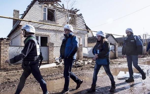 ОБСЕ: В Донецке из-за попадания мины в мусоровоз ранен мужчина