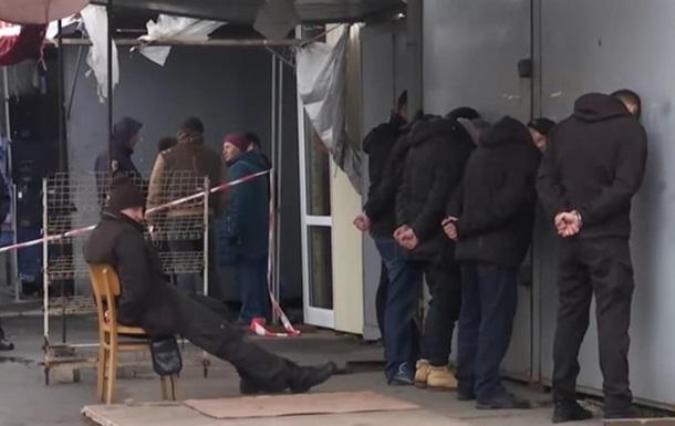 Поліція штурмувала найбільший ринок Миколаєва