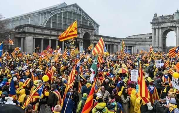 В Брюсселе проходит многотысячный митинг за независимость Каталонии