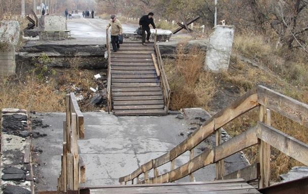 Пропуск граждан через КПП Станица Луганская временно приостановят