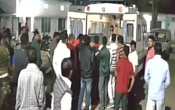В Індії поліцейський з автомата розстріляв своїх колег