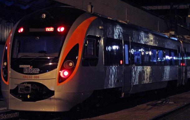 У Харківській області потяг Інтерсіті застряг на кілька годин