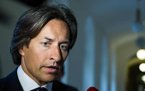 Обвинувачений у корупції екс-міністр фінансів Австрії постав перед судом