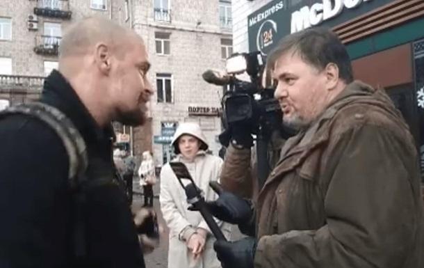 В Киеве член Правого сектора избил журналиста Коцабу