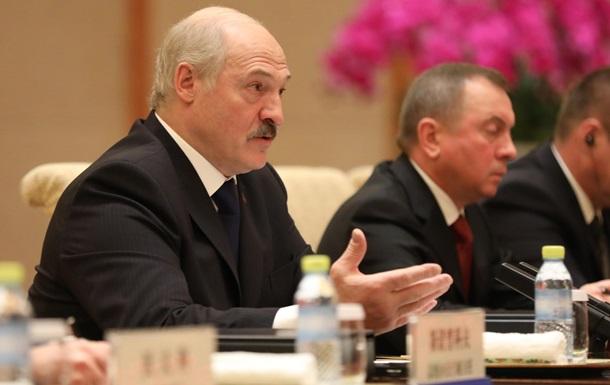 Лукашенко: У ЗМІ та інтернеті триває глобальна війна