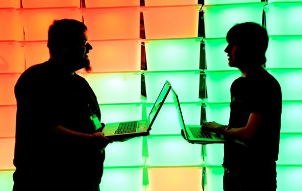 Провайдер Starbucks майнив криптовалюту на ноутбуках відвідувачів