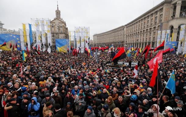 Половина украинцев не видят в стране эффективных политиков – опрос