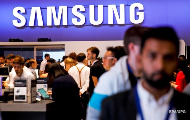 Samsung запатентувала обгорнутий в екран смартфон