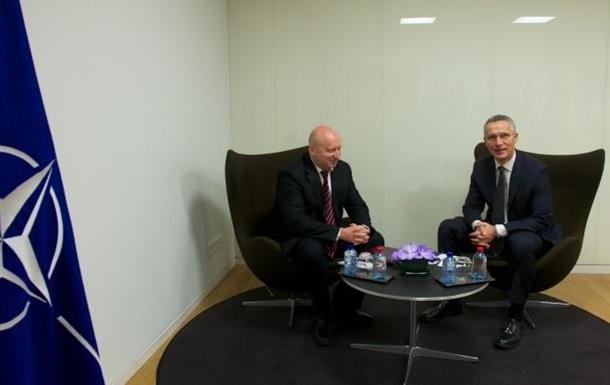 Турчинов обсудил с генсеком НАТО противостояние РФ