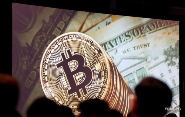 Курс биткоина  пробил  отметку в 19 тысяч долларов