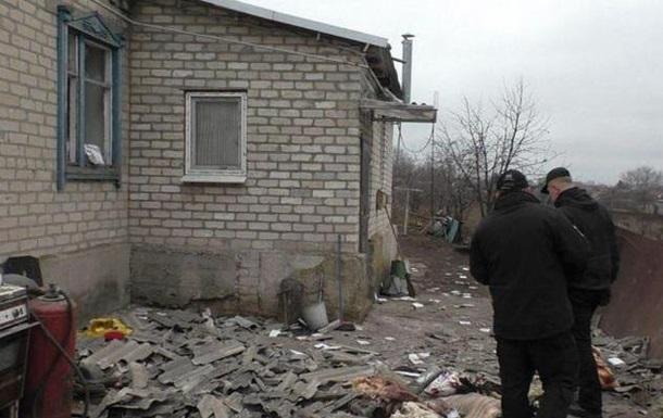 Обстрел Новолуганского: появились фото последствий