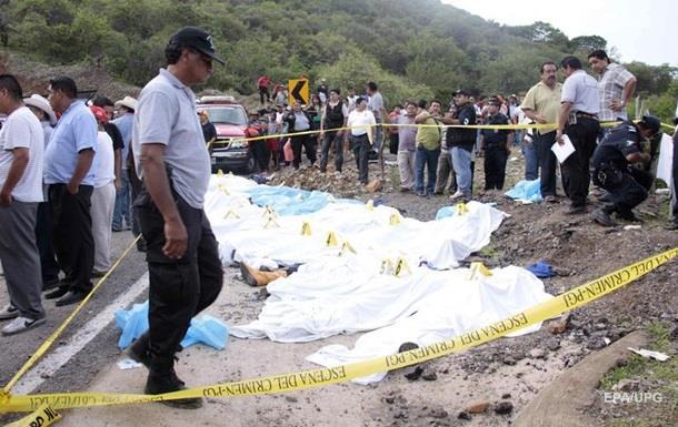 В Мексике из-за ДТП погибли 12 туристов