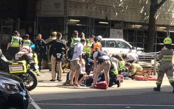 В Австралії авто в їхало у натовп: 19 постраждалих