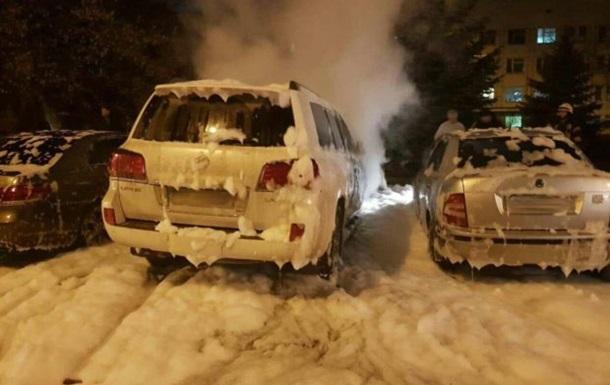 У Харкові невідомі підпалили Lexus прокурора - ЗМІ