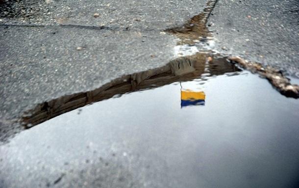 Більш як половина українців вважають боротьбу з корупцією провальною - опитування