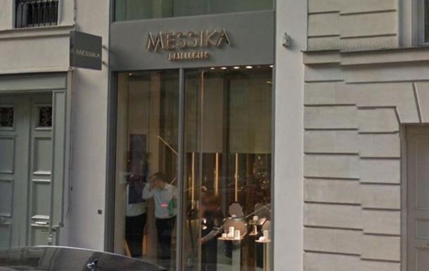У Парижі вкрали кольє за півмільйона євро на очах у продавця