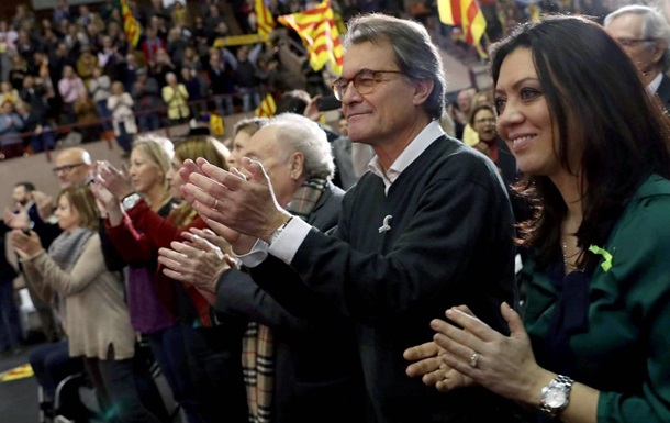 Мадрид пред явив звинувачення ще трьом сепаратистським лідерам Каталонії