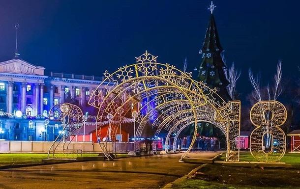 Где в Украине стоит самая дорогая елка