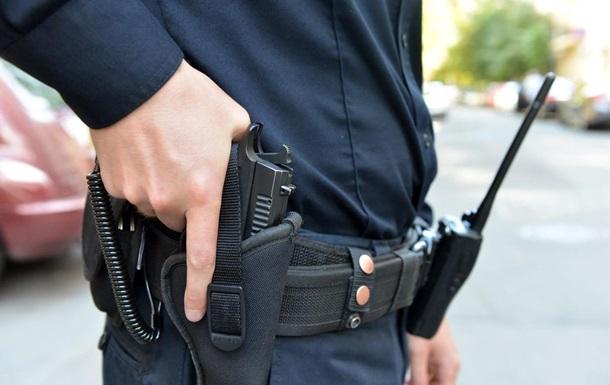 У Харківській області чоловік обстріляв поліцейських, потім застрелився