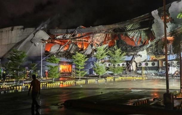 На Філіппінах десятки людей загинули під час пожежі в торговому центрі