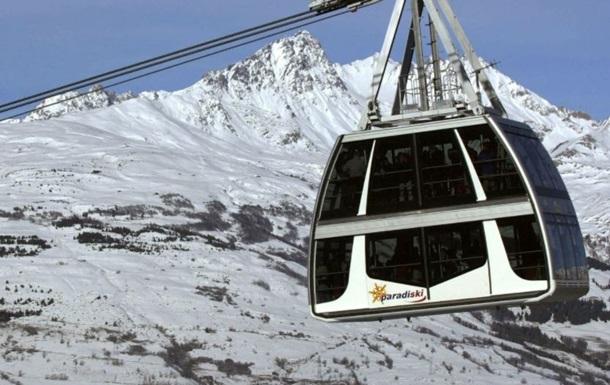 Около 200 лыжников застряли на подъемнике в Альпах