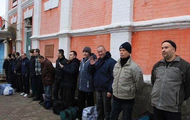 ЛНР передала украинской стороне 16 заложников