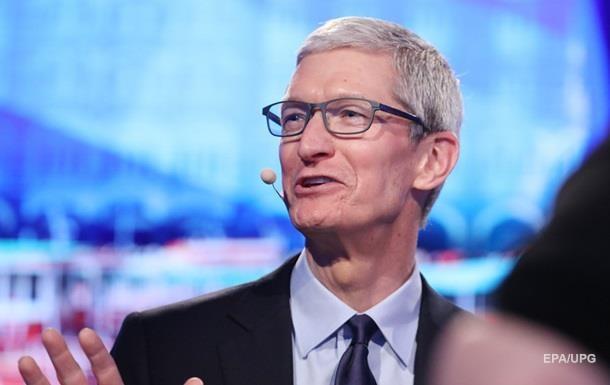 Названа зароблена главою Apple річна сума