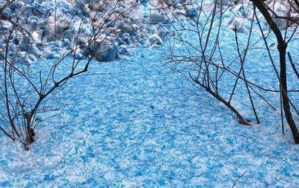 Синий снег в Питере: ученые установили причину