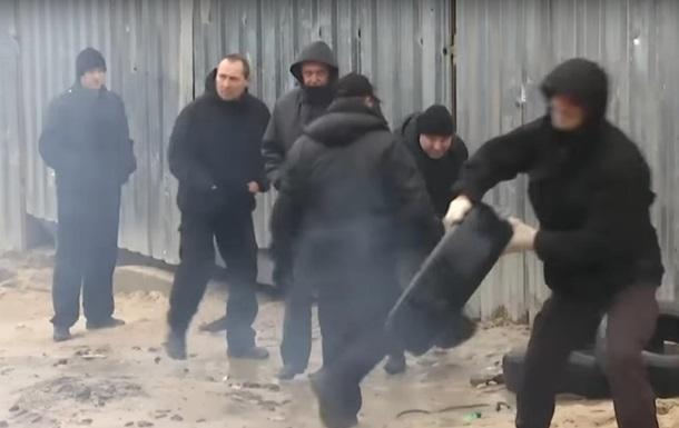 В Киеве активисты и охранники стройки устроили драку