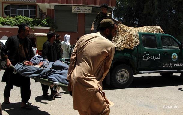 Під час вибуху в Афганістані загинули 12 людей
