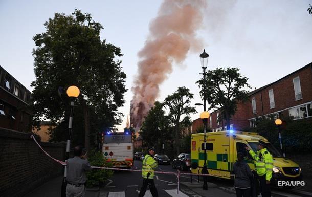 В Великобритании на парковке сгорели 1400 авто