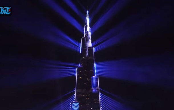 На Новый год в Дубае показали рекордное лазерное шоу